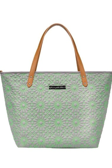 сумка для мамы petunia downtown tote covent garden petunia pickle bottom